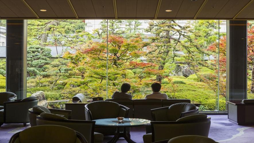 【日本庭園】ロビーからの景色~秋~