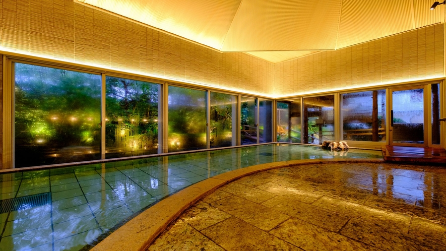 【滝の湯】竹取の湯:日本庭園を一望する大浴場