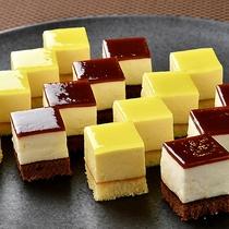 食後のデザートにHMIグループオリジナル プチケーキはいかがでしょうか♪