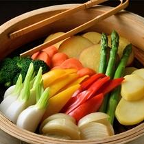 栄養たっぷり!新鮮な野菜はせいろ蒸しで!