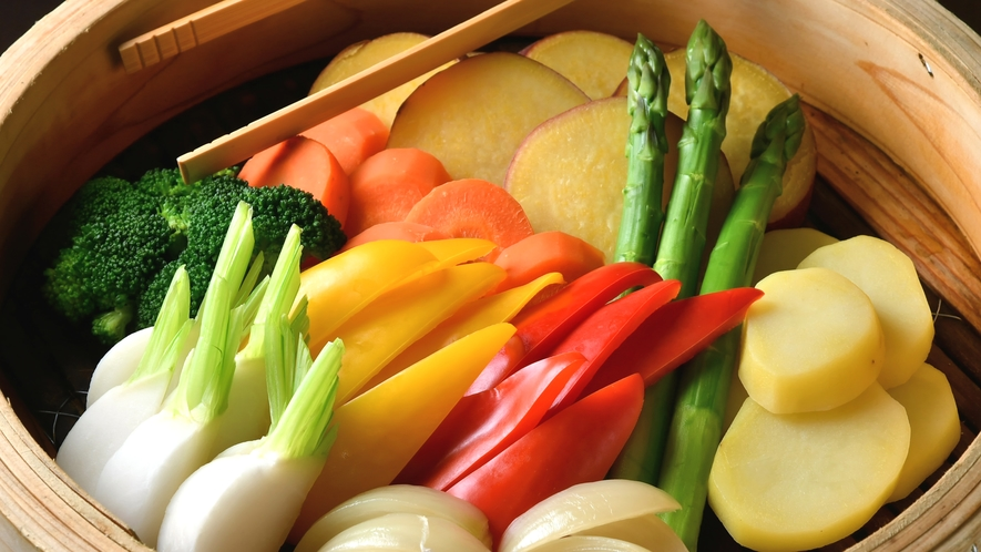【朝食】栄養たっぷり!新鮮な野菜はせいろ蒸しで!