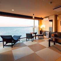 【感動露天風呂付客室『天空』】空と海との一体感をコンセプトに、くつろぎの空間と非日常の感動を追及