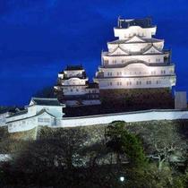 世界遺産の姫路城ライトアップ