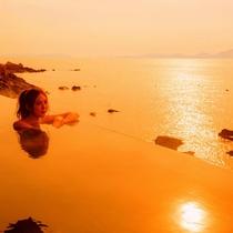 【天海の湯】夕焼けを臨む露天風呂