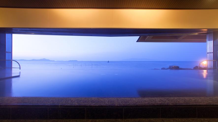 【天海の湯】天気の良い日は小豆島が一望できます。