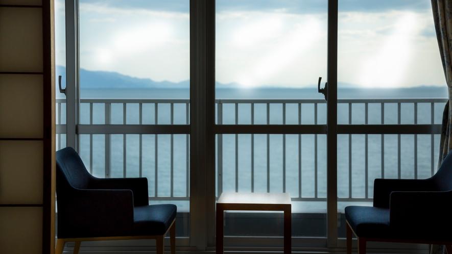 露天風呂付客室 瀬戸内海を望む広縁