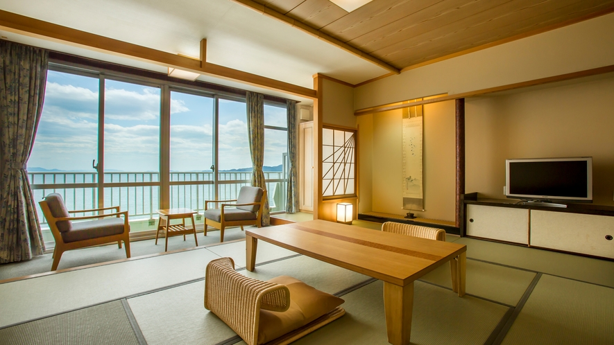 高層階客室(和室10畳)<絶景海側>