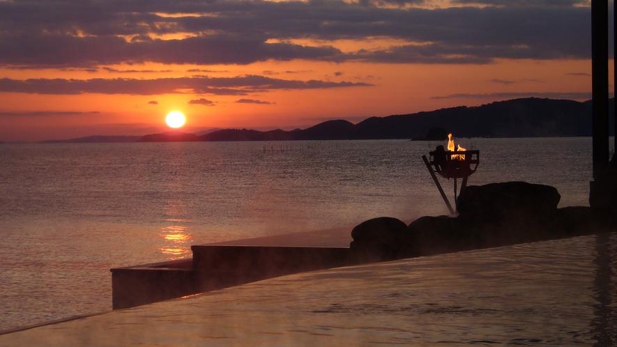 【天海の湯】海の沈む夕日を臨む露天風呂