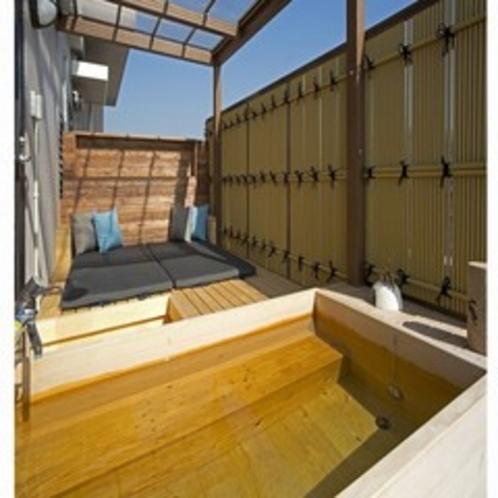 701号室露天風呂とくつろぎスペース