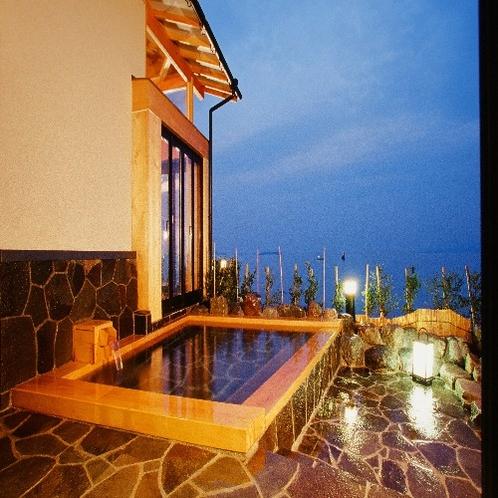 夜の蒼海露天風呂