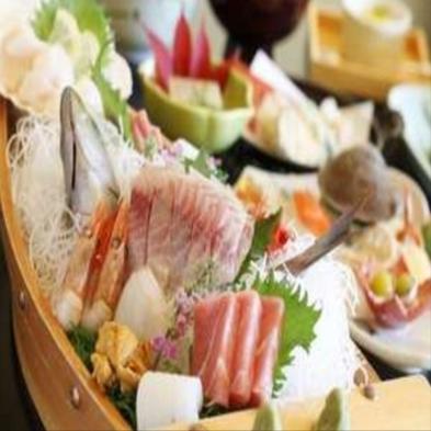 【鮑踊り焼き+舟盛付】 満腹、満足、満喫! 海の幸の人気もの2種で人気急上昇プラン