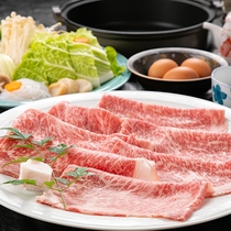 肉の旨味とタレの旨味が美味☆すき焼きで楽しむ夕食のひととき