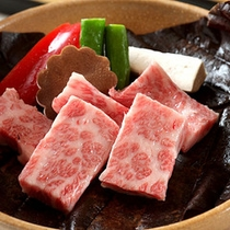 *料理一例/お肉のうまみが口いっぱいに広がります。