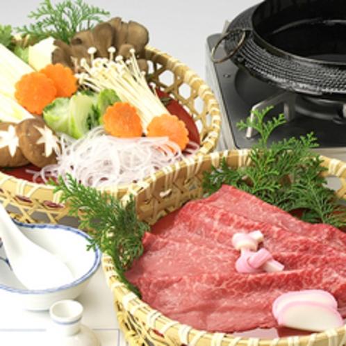 *「飛騨牛」/牛の旨味が、御出汁と絡み合って絶妙の美味しさ