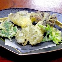 *【夕食一例】さくっと。山菜の天ぷら
