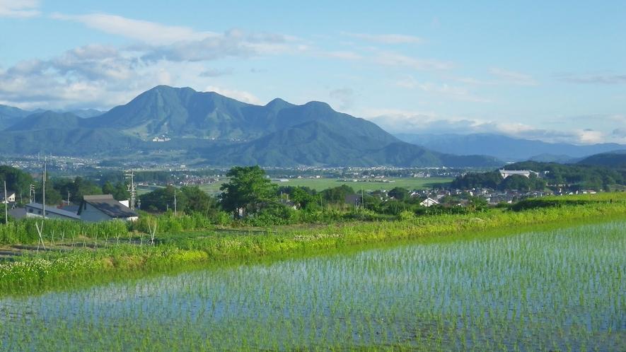 *【戸狩風景】四季に色づく山間に囲まれて。