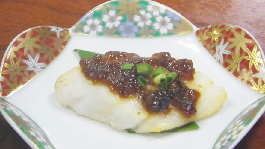 *【夕食一例】カレイの煮つけ/自家製麹味噌で