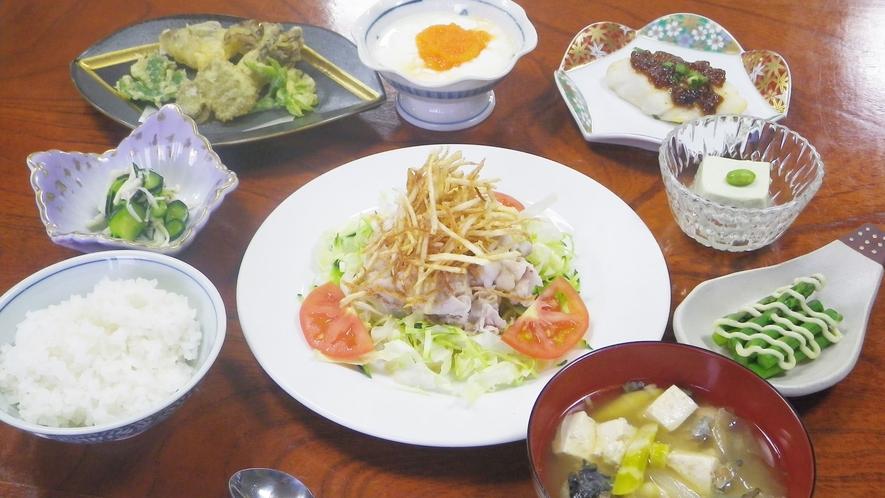 *【夕食一例】その時の旬の四季の味覚をご賞味いただけます。