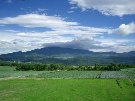 【当館人気】【DXダブルルーム】北軽井沢の雄大な高原の絶景を望む2人だけの特等席
