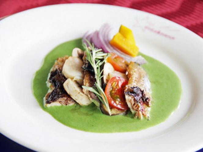 フレンチフルコースディナーの魚料理の1品