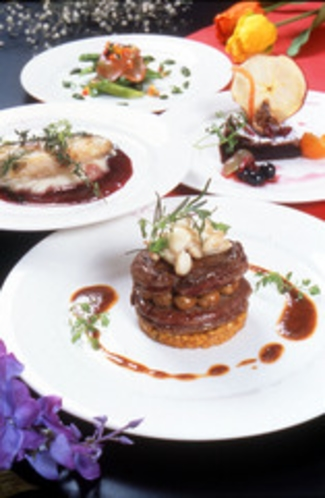 季節を彩る仏料理フルコースディナー