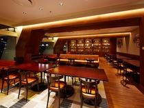 カフェレストラン24 モダンとレトロが融合した空間に生まれ変わりました。