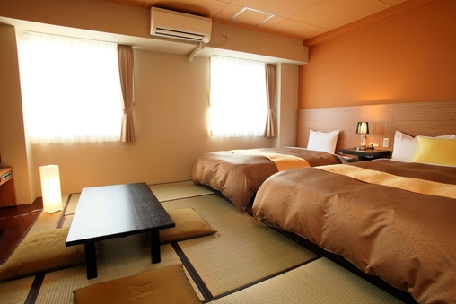 【禁煙】和洋室 (ベッド2台+布団2組)