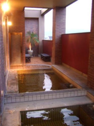 【2階別棟:露天風呂】
