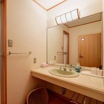 *和室12畳(客室一例)/簡素ではございますが、洗面処を完備いたしております。