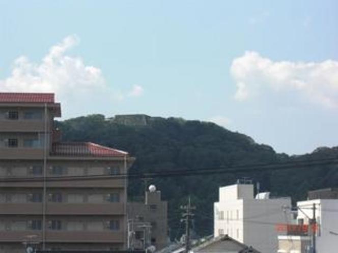 米子城跡(客室から) 期間限定でライトアップされます。