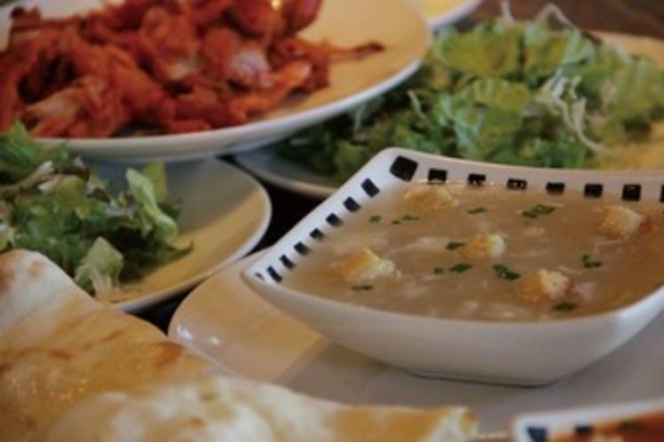 サラダ類とチキン