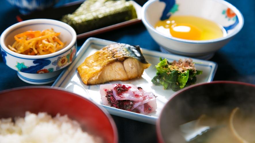 """◆【無料】朝食◆「ご飯&味噌汁&選り取りご飯のお供」が付いて、まさかの""""無料""""!!★"""