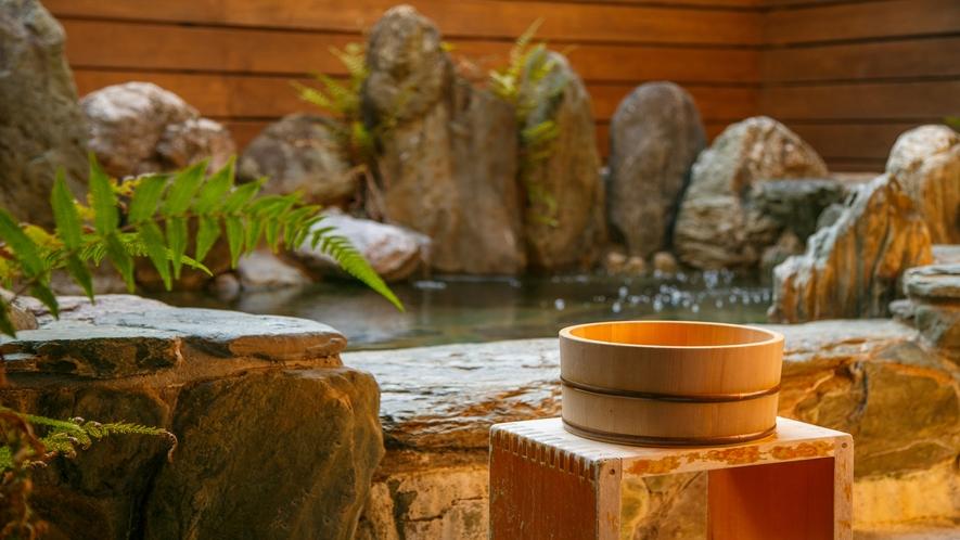 露天風呂は貸切りでご利用頂いております。≪通常1回30分3,000円≫