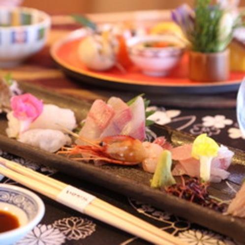 天然の生簀 富山湾でとれたキトキト新鮮なお刺身