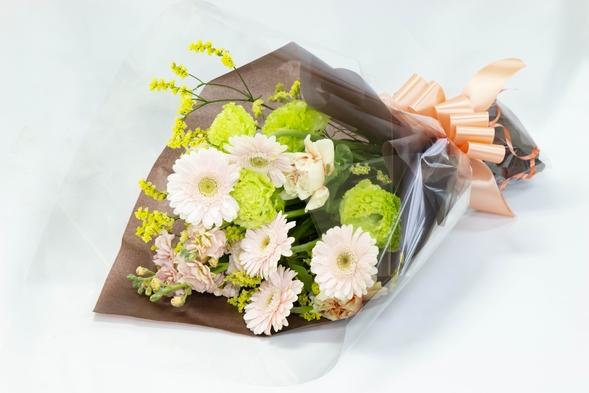 【記念日・お祝いに】お花をご用意いたします・アニバーサリープラン《朝食付/入浴券無》