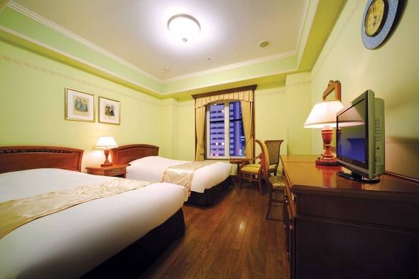 【1日10室限定!】プラハの館でやすらぎの時を《朝食付/入浴券無し》