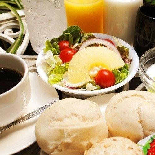 パンはヨーロッパ直輸入の5種類用意☆