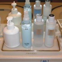 女性大浴場には化粧品もご用意致しております。