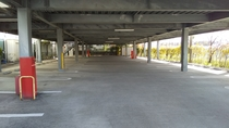 立体駐車場1階