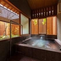 源泉掛け流し半露天風呂付客室(客室の一例)