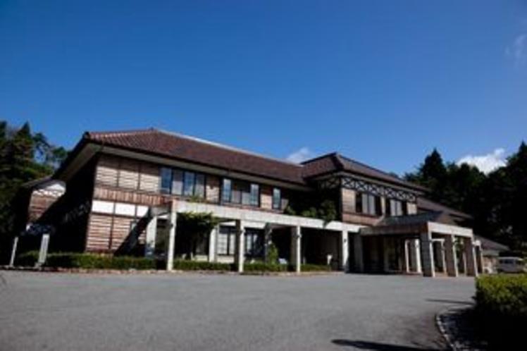 ホテル外観(斜めから)