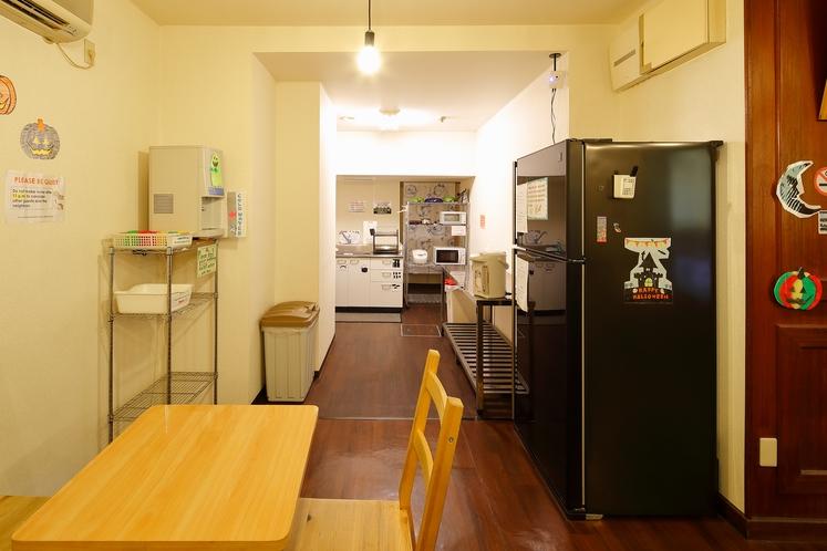 コモンルーム内キッチン