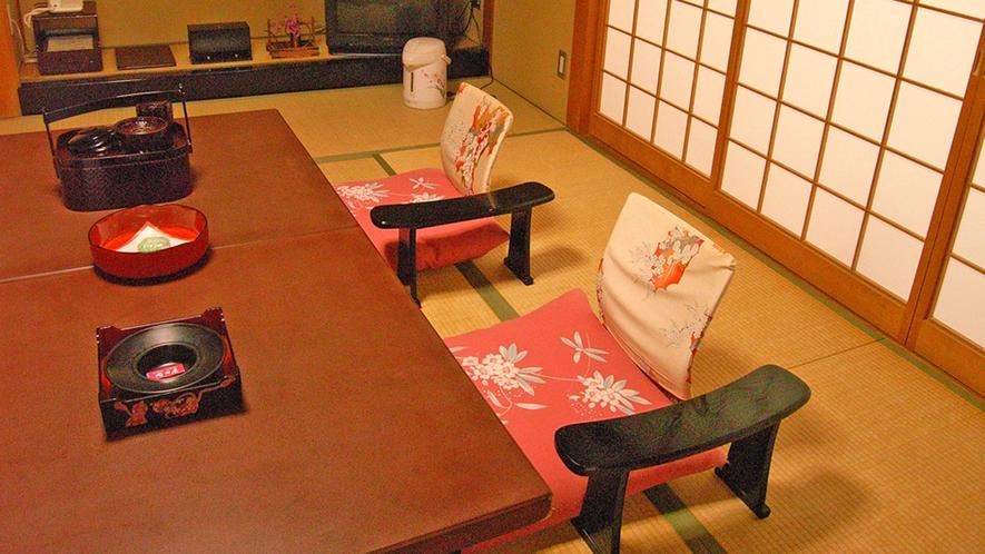 *客室一例/ほっと寛げる畳の和室です。ごゆっくりお過ごしくださいね。