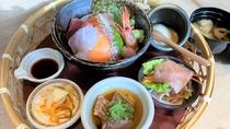 朝食『花籠お膳』海鮮丼