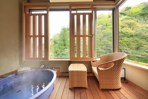 展望温泉内風呂付 洋室ツイン「泉遊」35平米(禁煙)