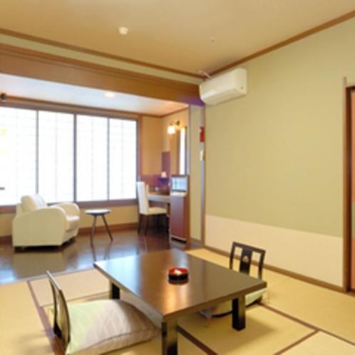源泉内湯付き客室の和室