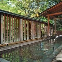 8階大浴場の露天風呂