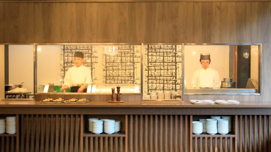 食事_オープンキッチン