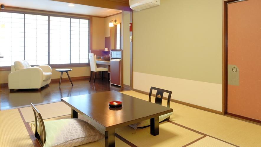 泉遊B_和室_畳とソファー