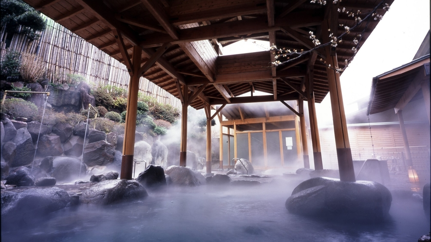湯の里_男子露天風呂2